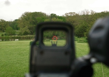 holographic sight view aiming on target
